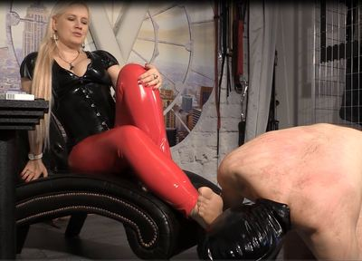 69919 - Extreme smelling nylons - Sniff it all slave!