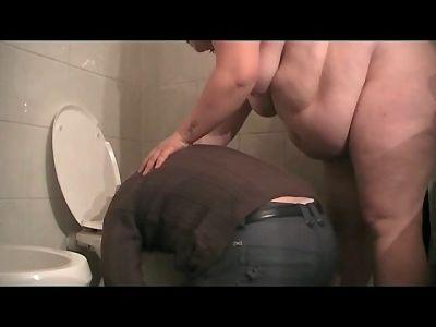 90070 - BBW Pamela's Toilet Slave (mp4)