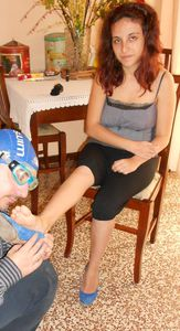 42010 - How To Massage Stinky Tired Feet