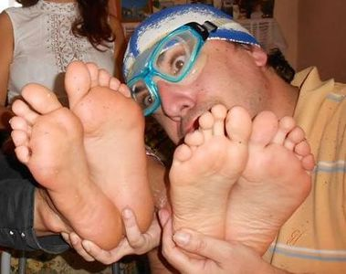 42225 - Stinky Feet Contest 2 The Rematch