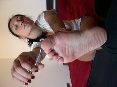 45337 - Fingernails, Toenails and Toejam Eating