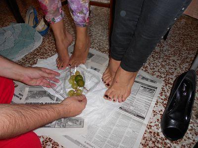 46632 - Sweaty Fruits and Sweaty Feet