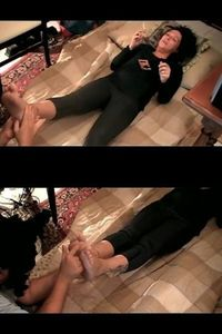 70098 - Smoking and Foot Massage Relax Therapy (mp4)