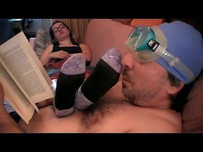 83915 - Big Foot Means Big Stink! (mp4)