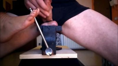 92070 - The Hammer and The Bench Vise (mp4)