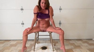 69601 - Queen Chair Shitting