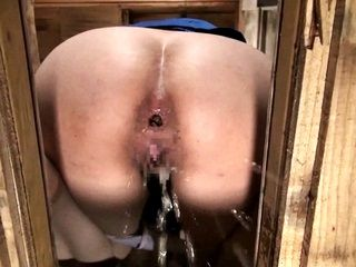 47756 - Pretty Babe Loves Extreme Pooping!