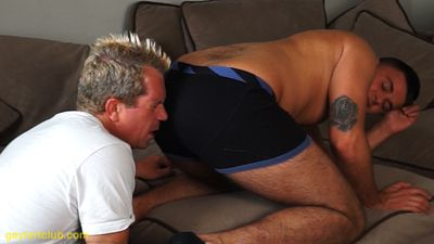 40474 - GAY FARTING ! Stud hunk Leo hot wet farts in slave Maxx's face !(Leo and Maxx 2A )
