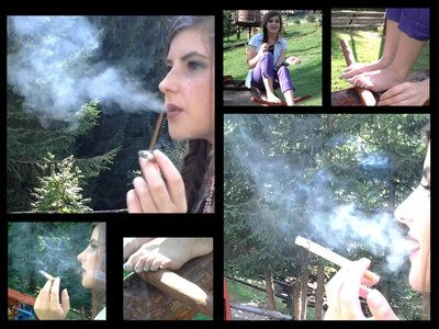 44809 - Smoking Barefeet In The Park