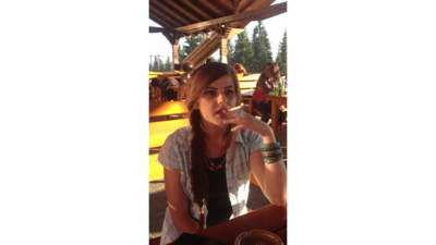 45485 - Yung Girl Smokes A Viceroy In Public