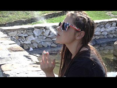 43223 - Smoking With My New Sunglasses