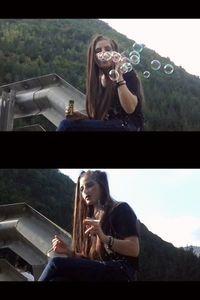54257 - Smoking Bubble Girl