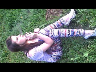 54458 - Laura in Smokeland