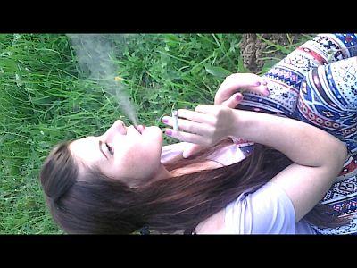 54459 - Laura in Smokeland