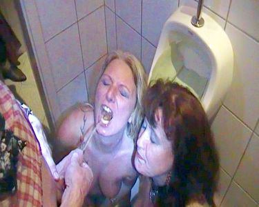 59111 - Two sluts on the men's toilet in a pub!