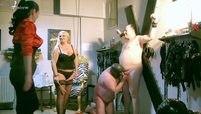 85652 - Slave had to blow other slave-tail, until the cumshot!