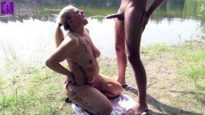 93387 - Public on the lake men piss swallowed and cock blown deep!
