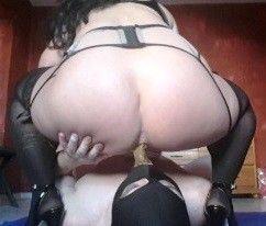 103617 - Stockings Goddess scat feeding and piss drinking