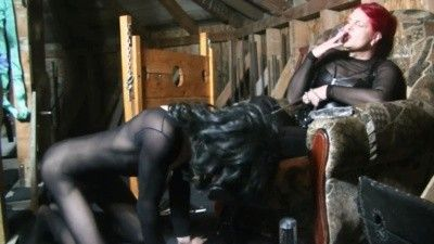 104793 - Goddess Andreea boots worshipping with slave in attic