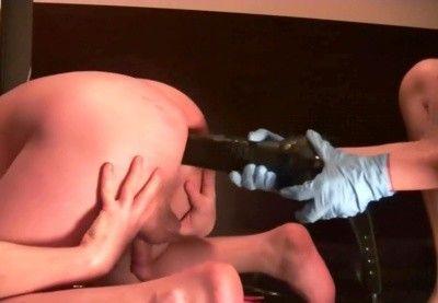 106051 - Lady Margo and her friends strapon fucking same slut