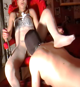 75520 - Licking my Mistress before beeing fucked with toys