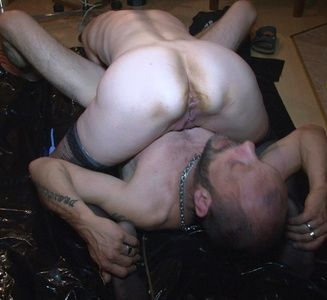 85035 - Lady Darlin playing with her slave