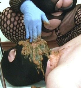 85507 - Mistress Roberta - enormous diarrhea into throat after enema