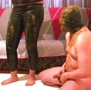 86100 - Mistress Roberta shit licking from leather pants