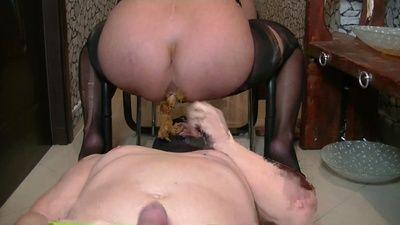 88321 - Goddess Andreea enormous shit feeding in throat