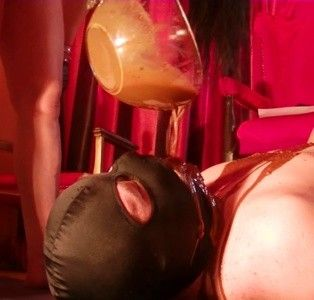 89901 - Mistress Anita Diarrhea in bowl and mouth