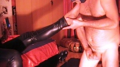 98893 - Mistress Anita - foot worshipping and anal play