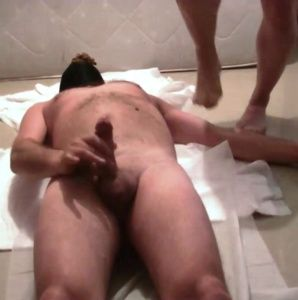 99004 - Master Mike using slave as full toilet