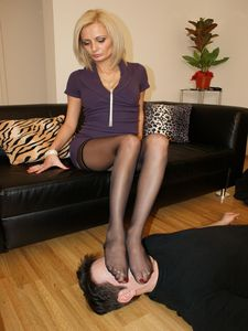 106674 - Nylon Feet Smelling 61