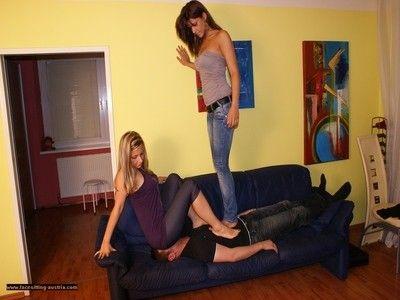 106731 - Jeans Sitting 60