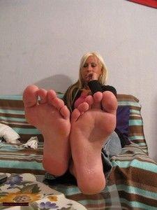 106777 - Barefoot Feet Play 3