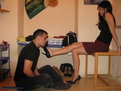 106918 - Shoe Worship 5