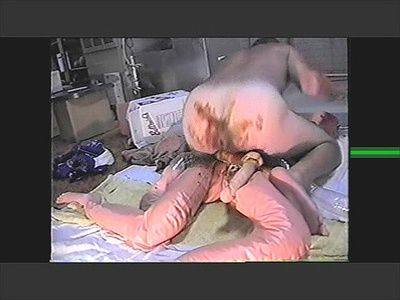 60982 - Shitty Dildo Ass Fucking with 2 BloW Up dOLLS