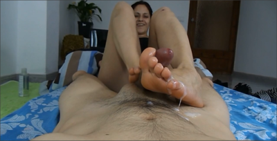 60767 - Auntie Giving  a Footjob