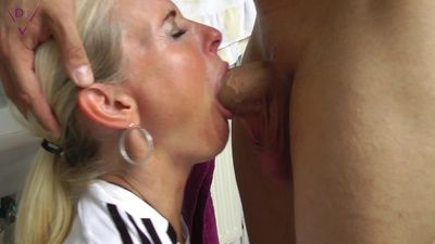 68067 - Stuffing my mouth!