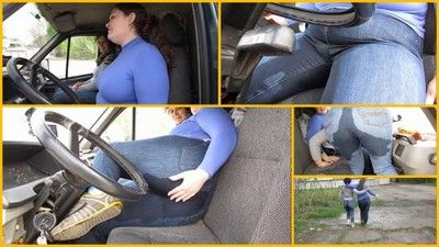 65769 - Pissing in jeans with a friend