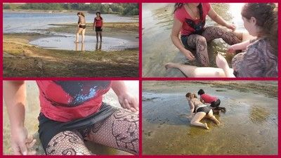 74805 - bathing the mud with his girlfriend1