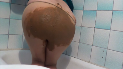 119932 - Mistress Roberta - Pantyhose poop smearing pov