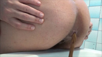 121110 - Mistress Roberta - Close up feeding pov