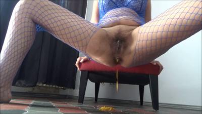 125553 - Mistress Roberta - Worship my body for breakfast pov