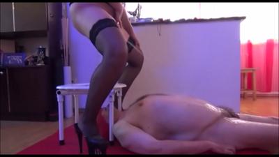 66947 - Mistress Roberta- Late toilet play