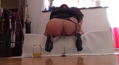 67679 - Mistress Roberta- Late apetiser for today -pov