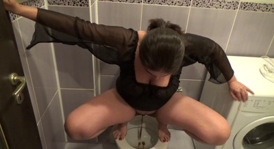 69181 - Mistress Roberta - Strong shit for today breakfast-pov
