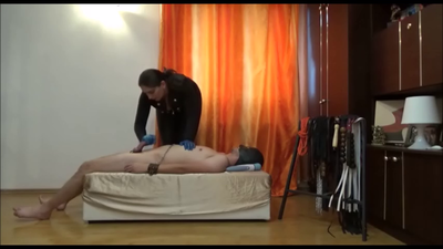 69560 - Mistress Roberta - Kiss my ass while i play with you -full