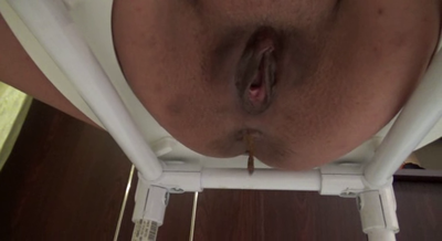70869 - Mistress Roberta - Look under my toilet sit preparing your breakfast-pov