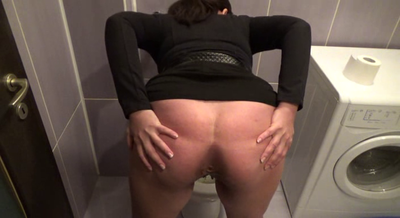 71294 - Mistress Roberta - Lick clean my asshole after i prepare your food-pov